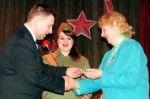 Юбилейную медаль «100 лет Вооружённым Силам Республики Беларусь» вручили жительнице блокадного Ленинграда Л. М. Смирновой.